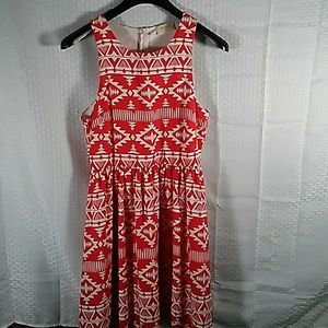 Everly sleeveless dress. Red/white. Size L